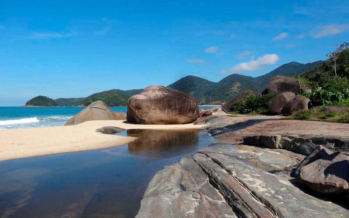 Trindade,praia e natureza exuberante