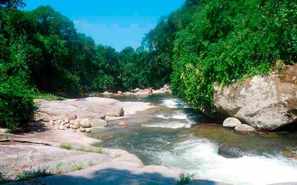 Cachoeira do Rio Pequeno em Paraty